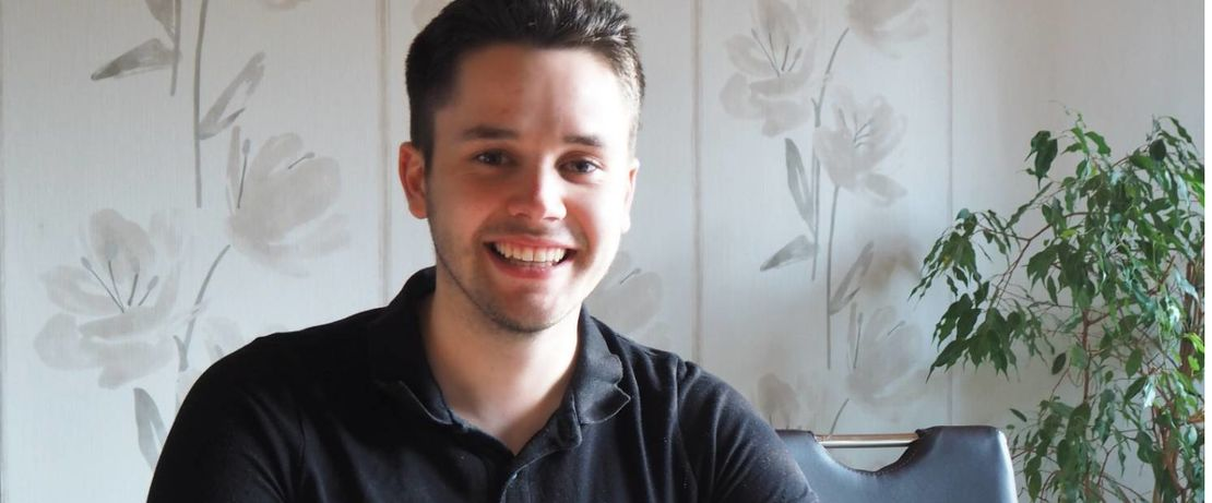 Die Freude ist groß: Timo Freriks hat seine Ausbildung mit Bestnote abgeschlossen.